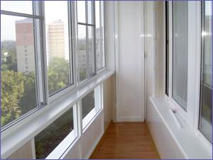 Пример остекления лоджии пластиковыми окнами под ключ