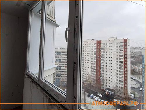 Застекленный балкон в панельном доме на 9 этаже