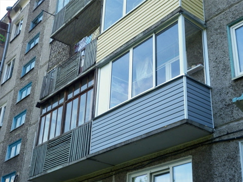 Фото пример работы по остеклению и утеплению балкона