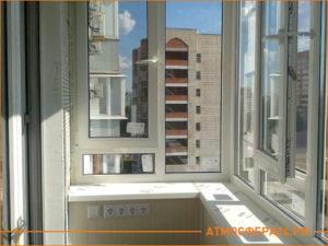 Теплое остекление балкона с розетками