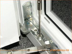 Новая и чистый механизм открывания окна